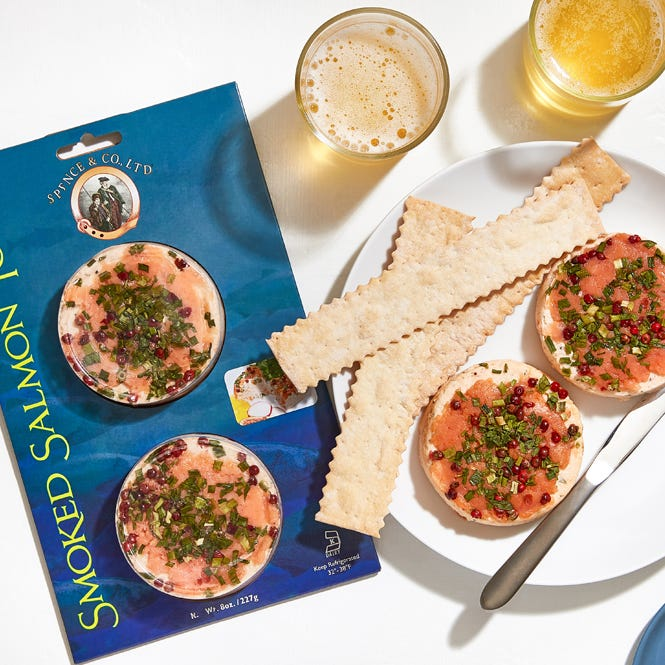 Smoked salmon torta paired with beer and crackers.