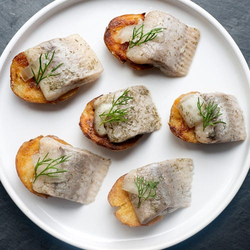 CRISPY BABY POTATOES WITH PICKLED HERRING IN DILL