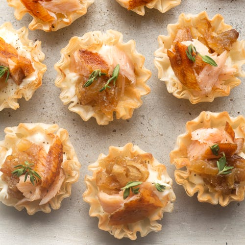 HONEY MAPLE SMOKED SALMON MINI TART FLAMBÉE