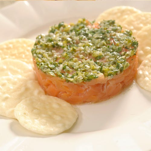 SMOKED SALMON TARTARE WITH GINGER, CILANTRO, AND JALAPENO